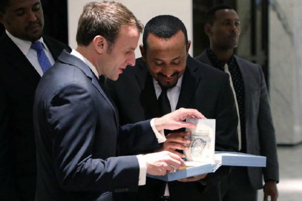 Emmanuel Macron, presidente de Francia, y Abiy Ahmed Ali, primer ministro de Etiopía, esta semana en Adis Abeba.