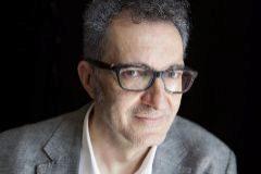 El escritor Eloy Tizón, autor de 'Herido leve'