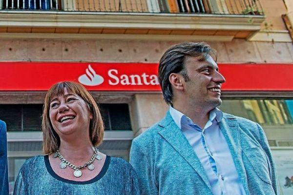 Francina Armengol y Francesc Miralles en la campaña de 2015.