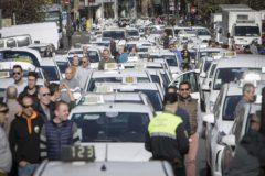 Una de las concentraciones de taxistas en protesta por la situación del sector, en Valencia.