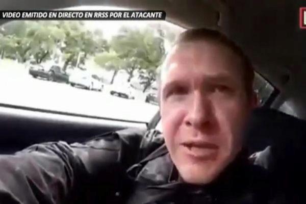 Fotograma del vídeo emitido en directo por el atacante.