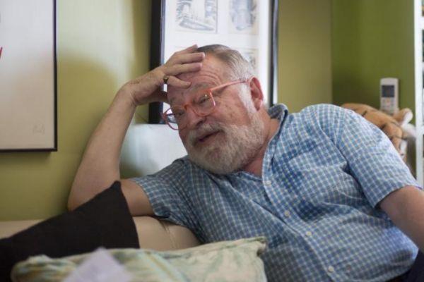 El filósofo Fernando Savater... con sus gafas rosas.