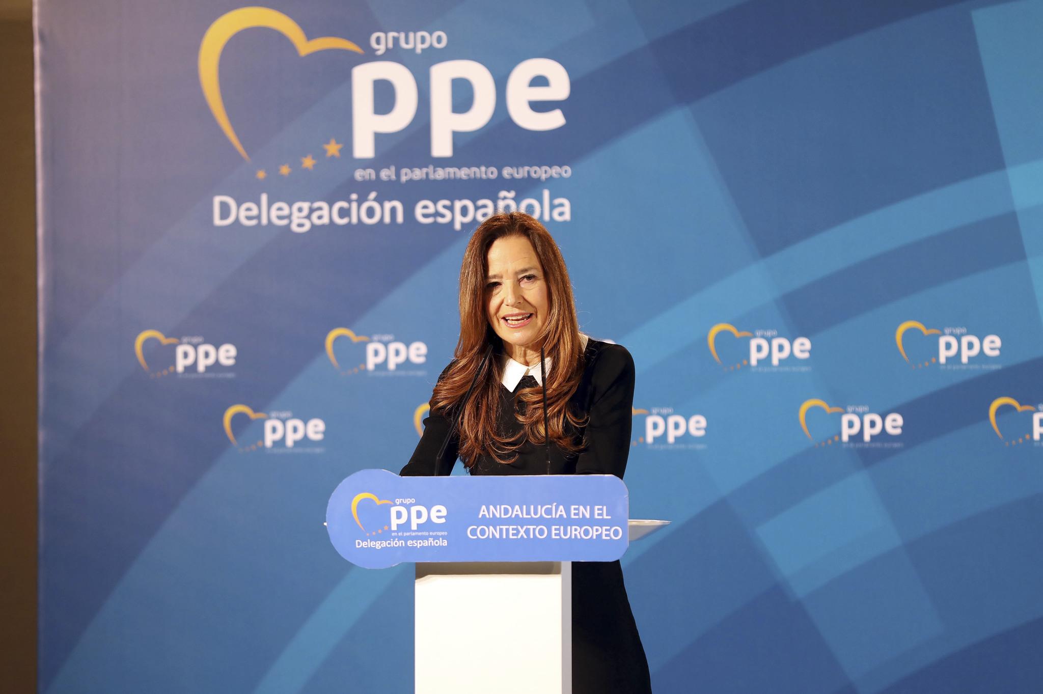 Teresa Jiménez Becerril, durante un encuentro parlamentario celebrado en Málaga.