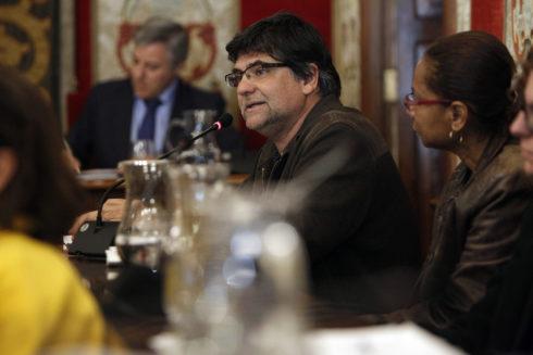 El portavoz de Guanyar en el Ayuntamiento de Alicante, Miguel Ángel Pavón, durante un pleno.