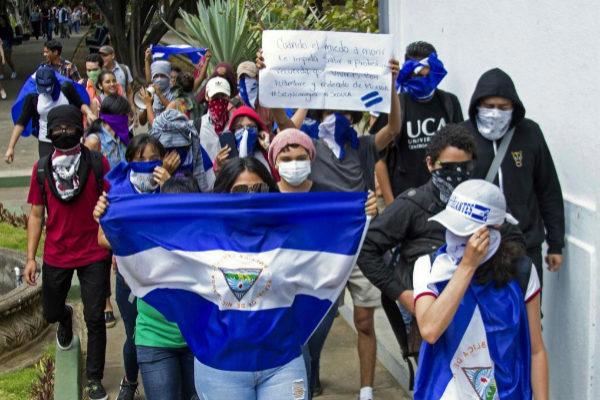 Estudiantes realizan el 1 de marzo una protesta contra Daniel Ortega.