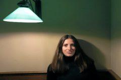 La artista Joana Moll.