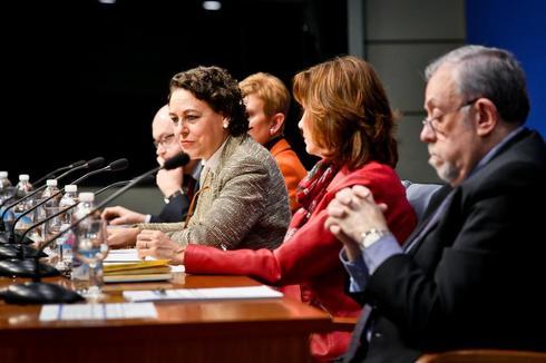 Magdalena Valerio presenta los presupuestos del Ministerior de Trabajo, Migraciones y Seguridad Social con los secretarios de Estado el pasado mes de enero.