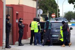Agentes de la Policía Nacional, en una reciente operación contra el narcotráfico en La Línea de la Concepcion.