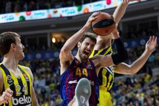 Los triples de Sloukas frustran al Barça en Estambul