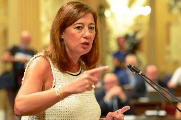 Francina Armengol, en el Parlament.