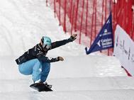 GRAF6235. BAQUEIRA (LLEIDA).- El donostiarra Lucas <HIT>Eguibar</HIT> durante el descenso este mediodía en la prueba de la Copa del <HIT>Mundo</HIT> de snowboard cross que acoge hoy la estación de Baqueira Beret.  Jesús Diges