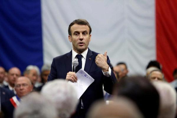 El presidente francés Emmanuel Macron, durante una sesión del Debate en Greoux Les Bains, el pasado día 7