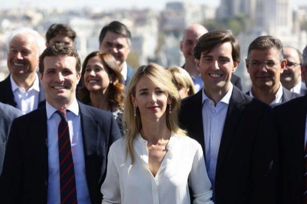el presidente del PP, Pablo Casado, Cayetana Alvarez de Toledo, número uno por Barcelona, y Pablo Montesinos, número uno por Málaga.