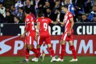 """GRAF5657. LEGANÉS (MADRID).- Los jugadores del <HIT>Girona</HIT>, Cristian Portugués """"Portu"""" (c) y el uruguayo Christian Ricardo Stuani (d), celebran el primer gol del equipo gerundense durante el encuentro correspondiente a la jornada 28 de primera división que disputan esta noche frente al Leganés en el estadio de Butarque, en la localidad madrileña ."""