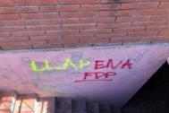 Pintadas en casa del juez Pablo Llarena