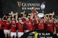 WALES V IRELAND_GUINESS 6 <HIT>NATION</HIT>. Cardiff (United Kingdom).- Wales players celebrate winning after the Rugby <HIT>Six</HIT> Nations match between Wales and Ireland at the Principality stadium in Cardiff, Britain, 16 March 2019. (Irlanda) EPA/