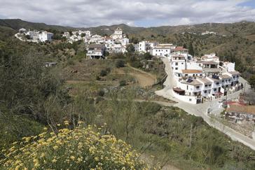 Vista panorámica de Macharaviaya, en la Axarquía malagueña.