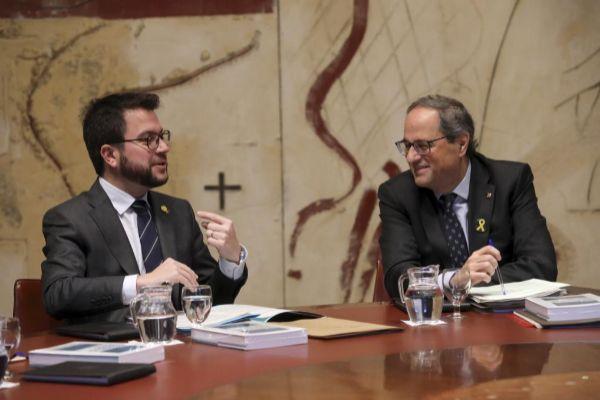 Pere Aragonés, vicepresidente de la Generalitat y titular de Economía y Hacienda, y el 'president' Quim Torra.