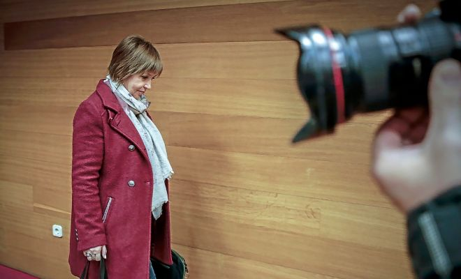 La directora general de À Punt, Empar Marco, antes de comparecer en las Cortes Valencianas.