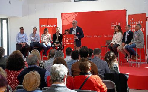 Vicent Torres, durante la presentación de los candidatos del PSOE en Ibiza.
