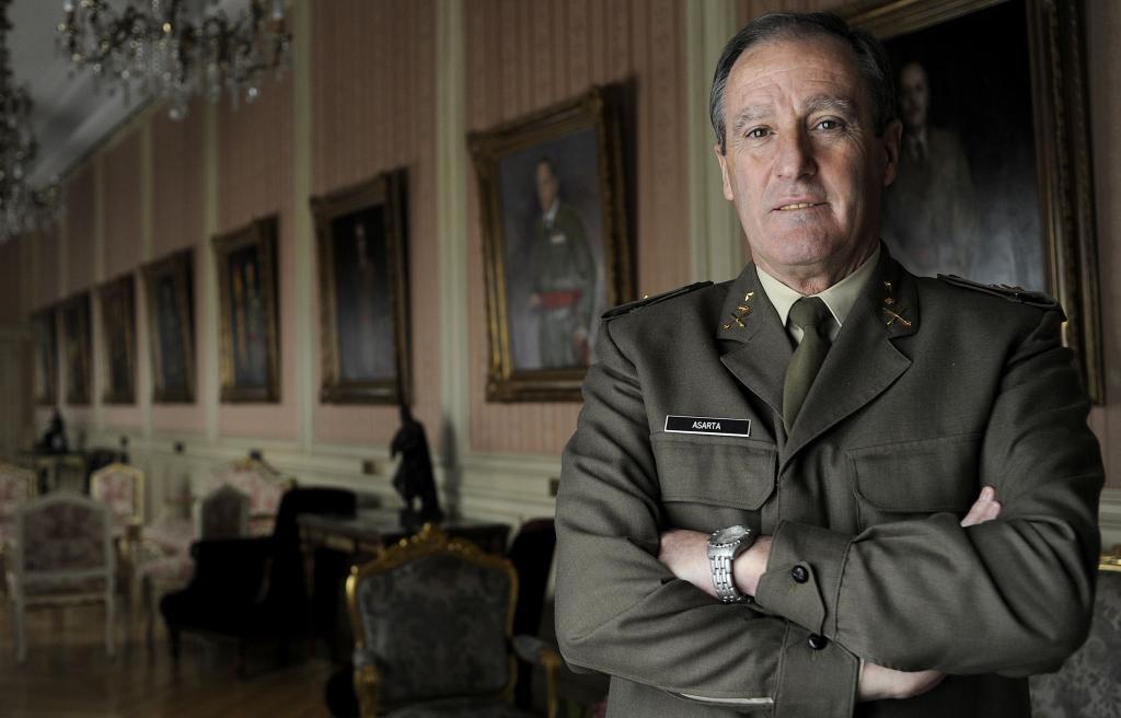El general Alberto Asarta, en una imagen de 2010, antes de ser nombrado mando de la Finul en el Líbano.