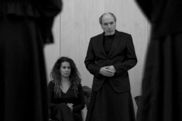Carlota Ferrer junto a Eusebio Poncela, en un ensayo de 'Esto no es la casa de Bernarda Alba'.