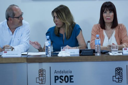Juan Cornejo, Susana Díaz y Micaela Navarro, durante una reunión de la ejecutiva socialista andaluza.