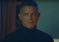 Alejandro Sanz en el videoclip de No tengo nada, una de las canciones de El Disco