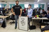 Alejandro Artacho, fundador de Spotahome, y Cleo Sham, jefa de tecnología.