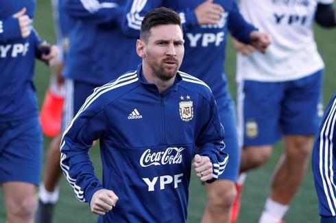 Messi, durante el entrenamiento de Argentina este lunes en Valdebebas.