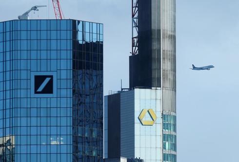 La sede de Deutsche Bank y la de Commerzbank en Fráncfort.