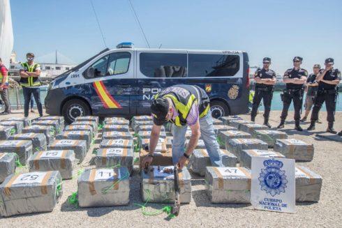 Fardos de cocaína decomisados en aguas de Cádiz el pasado mes de julio.