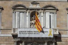 Torra será inhabilitado si no retira hoy los símbolos independentistas
