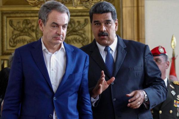 Zapatero se reúne con Maduro durante su viaje a Caracas del pasado mayo.