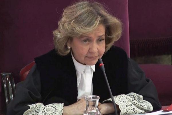 La fiscal Consuelo Madrigal, durante uno de los interrogatorios.