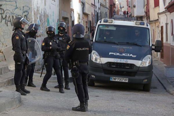 Agentes de la policía nacional en Algeciras.