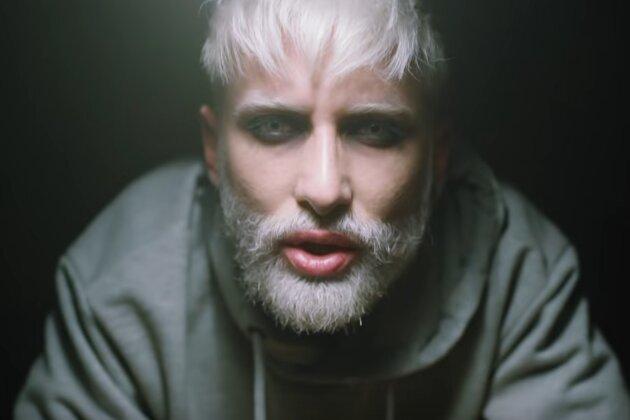 Conchita Wurst, alter ego de Thomas Neuwirth, se reinventa en Hit Me tras ganar Eurovisión