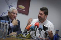 Cipriano Torres, presidente de Confecomerç, con Naxto Cosa, director general de Comercio.