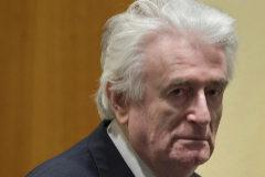 Cadena perpetua para Karadzic por el genocidio en Bosnia