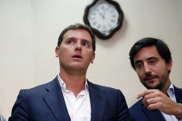 Rivera con Toni Roldán en un acto de Ciudadanos.