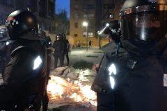 Policía Antidisturbios frente a la casa del clan en Vallecas.