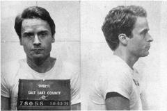 Foto policial de Ted Bundy.