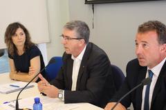 La directora general de Internacional, Dolores Parra, con el conseller de Economía, Rafa Climent.
