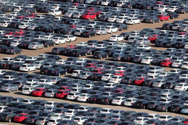 El superávit comercial del automóvil se desploma un 78% en enero por la subida de las importaciones