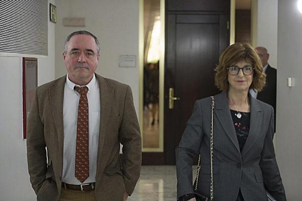 Nekane Murga y Iñaki Berraondo, viceconsejero de Salud.