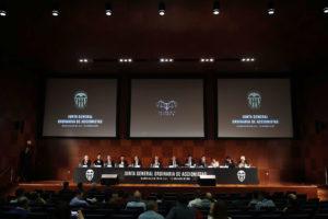 El consejo de administración del Valencia CF, en la última junta de accionistas.