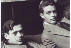 Tristan Tzara y René Crevel, en 1928, fotografiados por Man Ray.