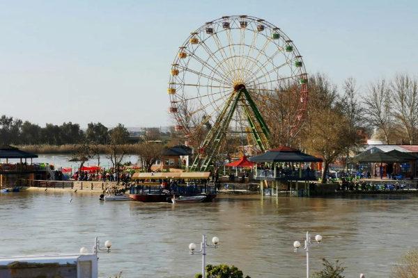 Vista general del lugar en el que ha naufragado el ferri en el río Tigris.