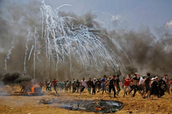Imagen tomada el 14 de mayo de 2018 de los enfrentamientos en la frontera de Israel con Gaza,