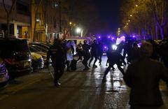 Altercado con la policía durante las protestas en Vallecas